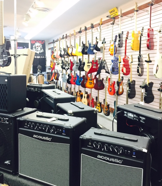 pic inside dustys guitar shop
